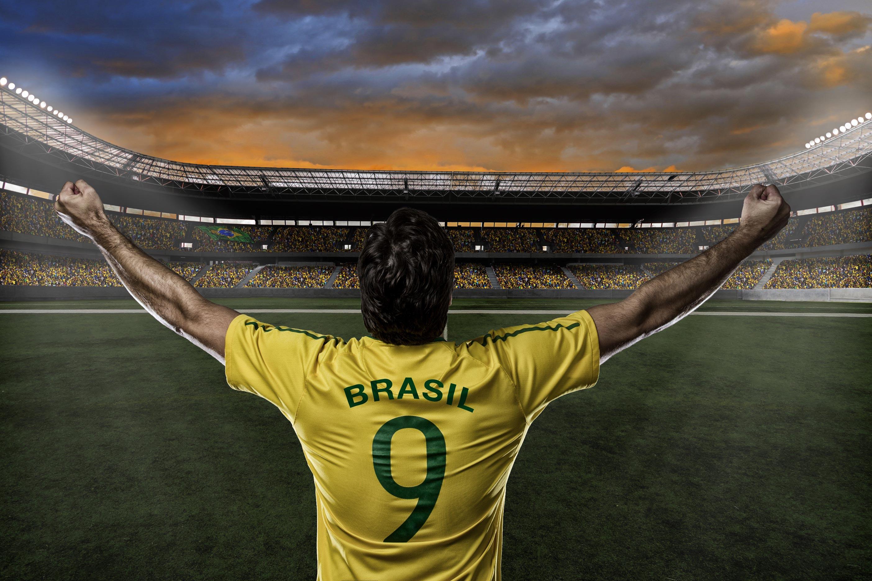 Foto jogador de futebol: Shutterstock.