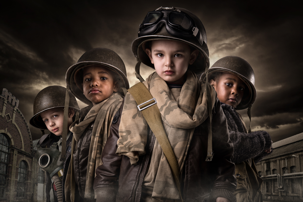 Foto: Crianças vestidas de soldados do Shutterstock.