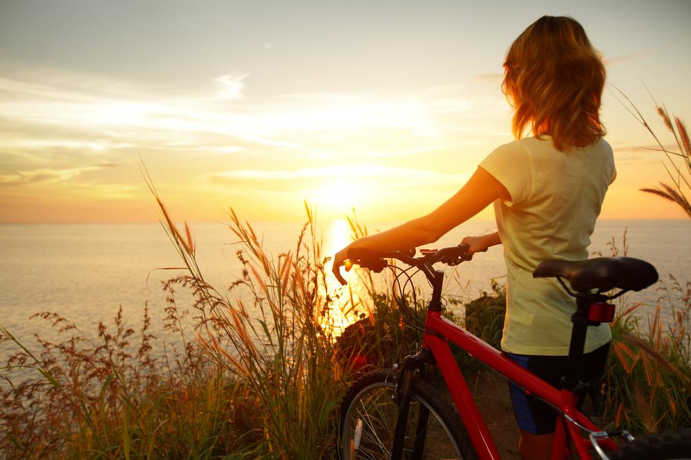 Foto de mulher no horizonte by Shutterstock